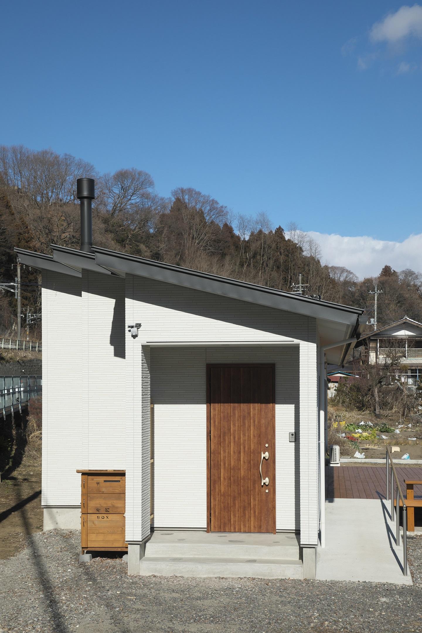 【平屋】薪ストーブとウッドデッキの家【長期優良住宅】