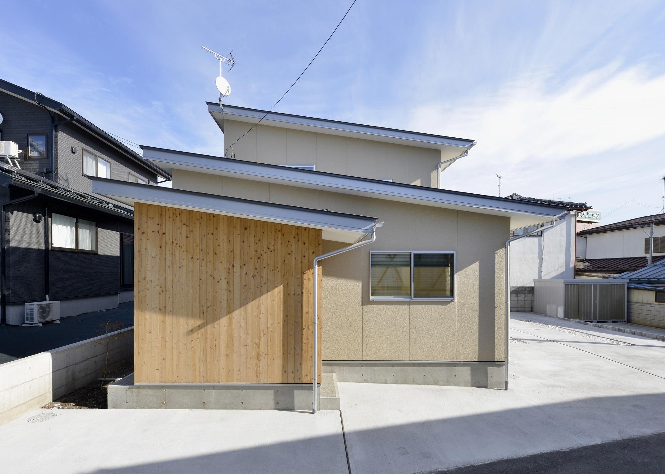 片流れ屋根の和モダン住宅 (ゼロエネ住宅)