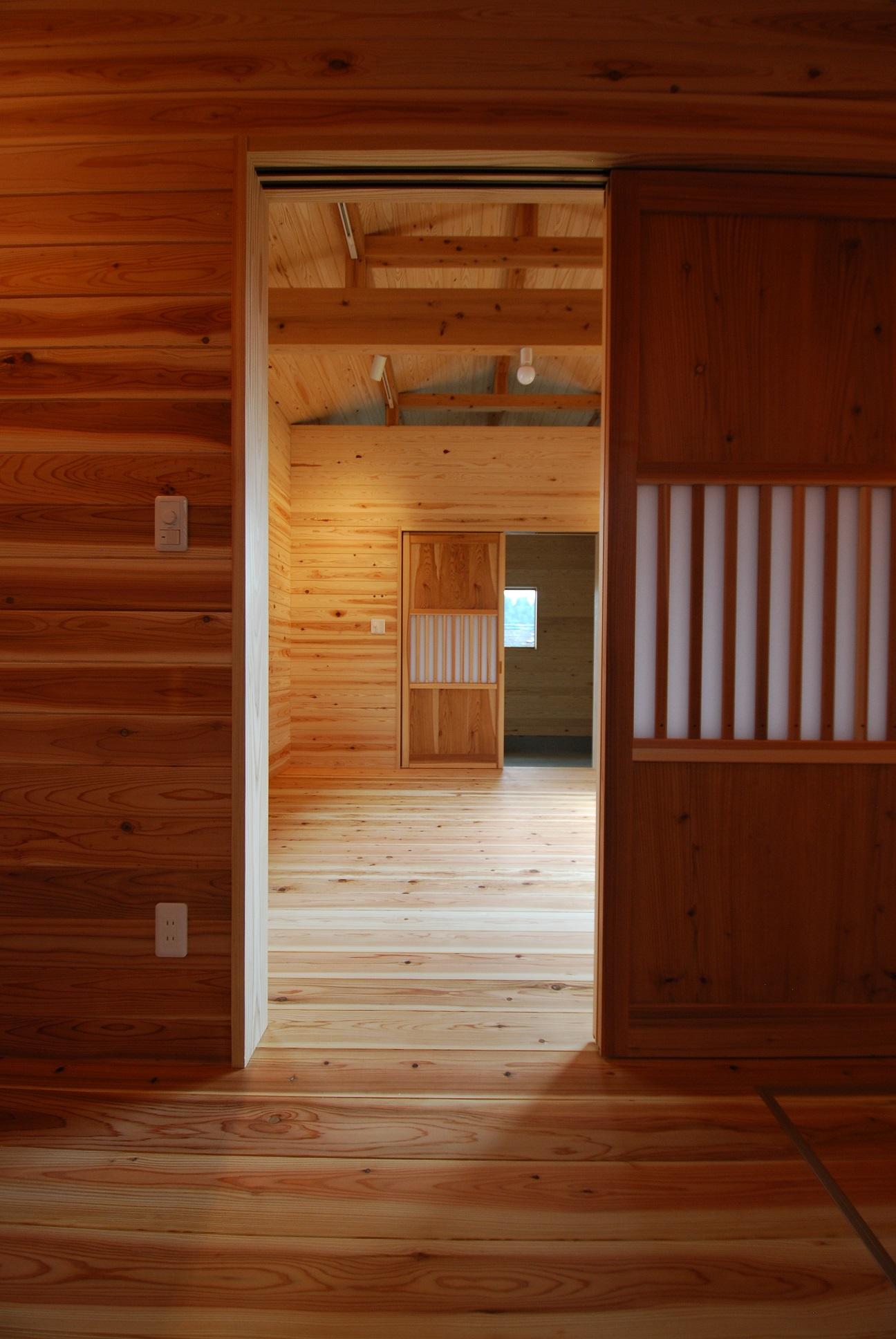 【平屋】小さな木の家【光と風と木と…】